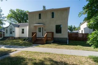 Photo 1: 224 Yale Avenue East in Winnipeg: East Transcona Residential for sale (3M)  : MLS®# 202018844