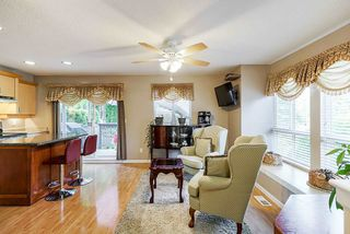 "Photo 2: 64 16388 85 Avenue in Surrey: Fleetwood Tynehead Townhouse for sale in ""CAMELOT VILLAGE"" : MLS®# R2486322"
