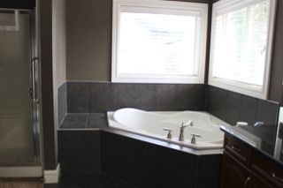Photo 10: 2611 BOWEN Way in Edmonton: Zone 55 House for sale : MLS®# E4216395