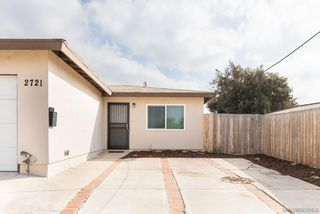 Photo 4: PARADISE HILLS House for sale : 3 bedrooms : 2721 Hopkins St in San Diego