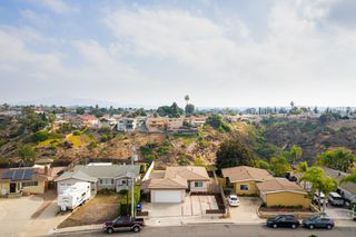 Photo 2: PARADISE HILLS House for sale : 3 bedrooms : 2721 Hopkins St in San Diego