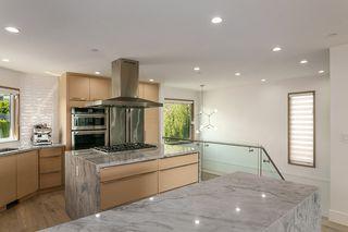 "Photo 15: 15114 BUENA VISTA Avenue: White Rock House for sale in ""White Rock Hillside"" (South Surrey White Rock)  : MLS®# R2527396"