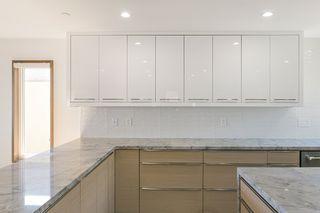"Photo 17: 15114 BUENA VISTA Avenue: White Rock House for sale in ""White Rock Hillside"" (South Surrey White Rock)  : MLS®# R2527396"