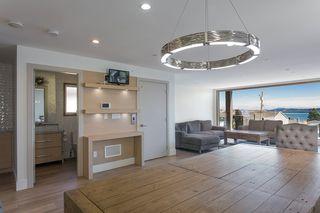 "Photo 14: 15114 BUENA VISTA Avenue: White Rock House for sale in ""White Rock Hillside"" (South Surrey White Rock)  : MLS®# R2527396"