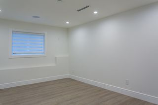 "Photo 28: 15114 BUENA VISTA Avenue: White Rock House for sale in ""White Rock Hillside"" (South Surrey White Rock)  : MLS®# R2527396"