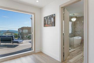 "Photo 23: 15114 BUENA VISTA Avenue: White Rock House for sale in ""White Rock Hillside"" (South Surrey White Rock)  : MLS®# R2527396"