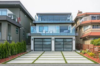 "Photo 30: 15114 BUENA VISTA Avenue: White Rock House for sale in ""White Rock Hillside"" (South Surrey White Rock)  : MLS®# R2527396"