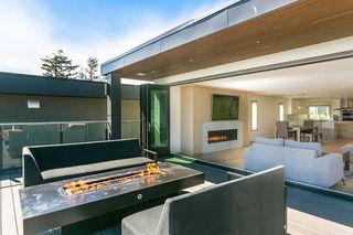 "Photo 8: 15114 BUENA VISTA Avenue: White Rock House for sale in ""White Rock Hillside"" (South Surrey White Rock)  : MLS®# R2527396"