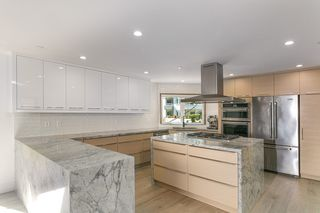 "Photo 13: 15114 BUENA VISTA Avenue: White Rock House for sale in ""White Rock Hillside"" (South Surrey White Rock)  : MLS®# R2527396"