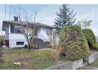 "Photo 2: 3551 WALKER ST in Vancouver: Grandview VE House for sale in ""TROUT LAKE"" (Vancouver East)  : MLS®# V875248"