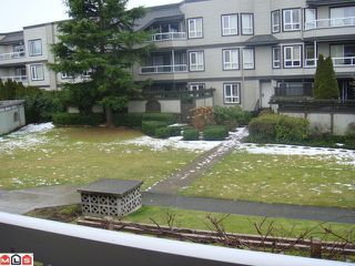 Photo 2: 202 1860 E SOUTHMERE Crest in Surrey: Sunnyside Park Surrey Condo for sale (South Surrey White Rock)  : MLS®# F1201841