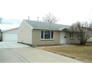 Photo 1: 22 LEICESTER Square in WINNIPEG: St James Residential for sale (West Winnipeg)  : MLS®# 1409166