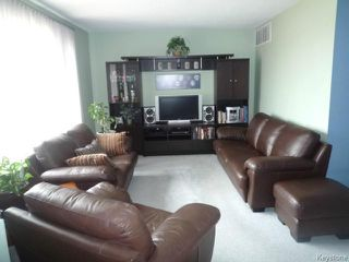 Photo 2: 22 LEICESTER Square in WINNIPEG: St James Residential for sale (West Winnipeg)  : MLS®# 1409166