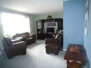 Photo 3: 22 LEICESTER Square in WINNIPEG: St James Residential for sale (West Winnipeg)  : MLS®# 1409166