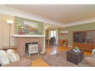Photo 9: VICTORIA FAMILY HOME FOR SALE = VICTORIA REAL ESTATE SOLD With Ann Watley!