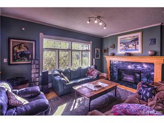 Photo 2: 118 Howe Street in VICTORIA: Vi Fairfield West Single Family Detached for sale (Victoria)  : MLS®# 343026