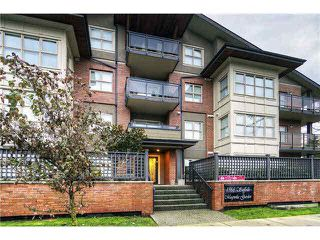 Photo 1: 306 1988 SUFFOLK Avenue in Port Coquitlam: Glenwood PQ Condo for sale : MLS®# V1124061