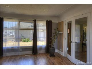 Photo 9: 300 Kenning Court in VICTORIA: Co Lagoon Single Family Detached for sale (Colwood)  : MLS®# 353425