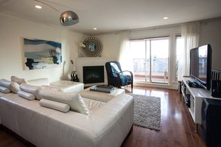 "Photo 2: 9 14921 THRIFT Avenue: White Rock Townhouse for sale in ""Nicole Place"" (South Surrey White Rock)  : MLS®# R2036122"