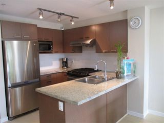 "Photo 4: 110 9500 ODLIN Road in Richmond: West Cambie Condo for sale in ""CAMBRIDGE PARK"" : MLS®# R2068379"
