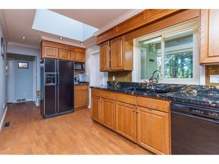 """Photo 4: 20540 46 Avenue in Langley: Langley City House for sale in """"Mossey Estates"""" : MLS®# R2093115"""