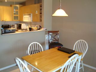 """Photo 6: 412 3136 ST JOHNS Street in Port Moody: Port Moody Centre Condo for sale in """"SONRISA"""" : MLS®# R2101760"""