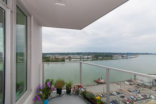 "Photo 6: 1811 668 COLUMBIA Street in New Westminster: Quay Condo for sale in ""TRAPP+HOLBROOK"" : MLS®# R2105687"
