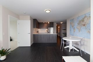 "Photo 13: 1811 668 COLUMBIA Street in New Westminster: Quay Condo for sale in ""TRAPP+HOLBROOK"" : MLS®# R2105687"