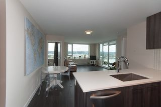 "Photo 2: 1811 668 COLUMBIA Street in New Westminster: Quay Condo for sale in ""TRAPP+HOLBROOK"" : MLS®# R2105687"