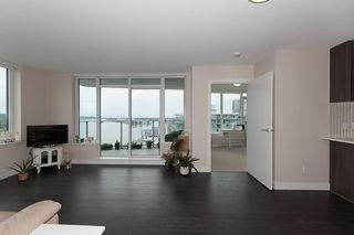 "Photo 5: 1811 668 COLUMBIA Street in New Westminster: Quay Condo for sale in ""TRAPP+HOLBROOK"" : MLS®# R2105687"