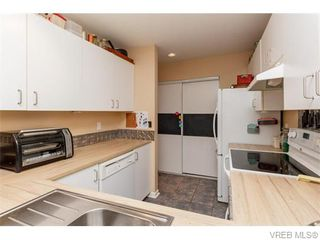 Photo 10: 102 2529 Wark St in VICTORIA: Vi Hillside Condo for sale (Victoria)  : MLS®# 742540