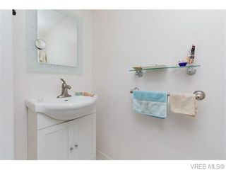 Photo 13: 102 2529 Wark St in VICTORIA: Vi Hillside Condo for sale (Victoria)  : MLS®# 742540
