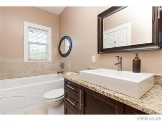 Photo 11: 3459 Auburn Crt in VICTORIA: La Walfred House for sale (Langford)  : MLS®# 742561