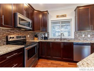 Photo 5: 3459 Auburn Crt in VICTORIA: La Walfred House for sale (Langford)  : MLS®# 742561