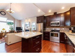 Photo 6: 3459 Auburn Crt in VICTORIA: La Walfred House for sale (Langford)  : MLS®# 742561