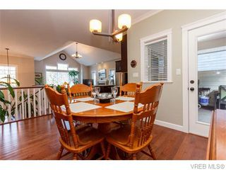 Photo 8: 3459 Auburn Crt in VICTORIA: La Walfred House for sale (Langford)  : MLS®# 742561