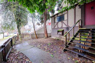 """Photo 3: 1058 E 13TH Avenue in Vancouver: Mount Pleasant VE House for sale in """"Mount Pleasant"""" (Vancouver East)  : MLS®# R2143092"""