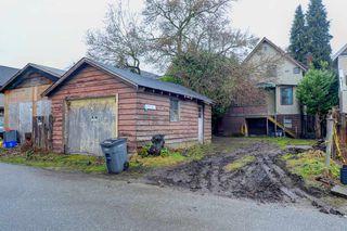 """Photo 11: 1058 E 13TH Avenue in Vancouver: Mount Pleasant VE House for sale in """"Mount Pleasant"""" (Vancouver East)  : MLS®# R2143092"""