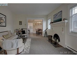 Photo 3: 241 Beechwood Avenue in VICTORIA: Vi Fairfield East Single Family Detached for sale (Victoria)  : MLS®# 377266