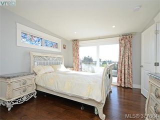 Photo 9: 2330 Arbutus Road in VICTORIA: SE Arbutus Single Family Detached for sale (Saanich East)  : MLS®# 377684