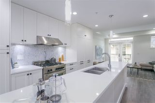 """Photo 5: 328 W 62ND Avenue in Vancouver: Marpole Townhouse for sale in """"WINONA PARK CHATEAU PARKSIDE RESIDENCES"""" (Vancouver West)  : MLS®# R2172858"""