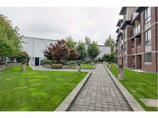 "Photo 16: 407 10822 CITY PARKWAY Drive in Surrey: Whalley Condo for sale in ""ACCESS"" (North Surrey)  : MLS®# R2180721"