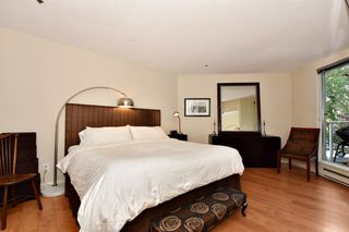 """Photo 9: 202 1502 ISLAND PARK Walk in Vancouver: False Creek Condo for sale in """"THE LAGOONS"""" (Vancouver West)  : MLS®# R2214585"""