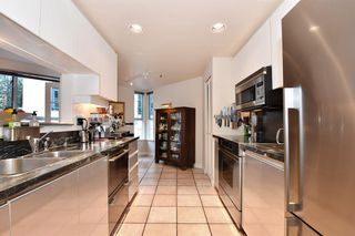 """Photo 7: 202 1502 ISLAND PARK Walk in Vancouver: False Creek Condo for sale in """"THE LAGOONS"""" (Vancouver West)  : MLS®# R2214585"""