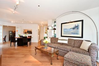 """Photo 4: 202 1502 ISLAND PARK Walk in Vancouver: False Creek Condo for sale in """"THE LAGOONS"""" (Vancouver West)  : MLS®# R2214585"""
