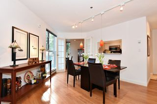 """Photo 5: 202 1502 ISLAND PARK Walk in Vancouver: False Creek Condo for sale in """"THE LAGOONS"""" (Vancouver West)  : MLS®# R2214585"""