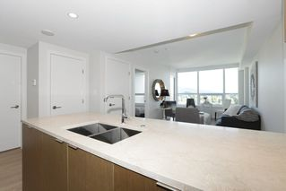 Photo 13: 2110 125 E 14TH Street in North Vancouver: Central Lonsdale Condo for sale : MLS®# R2216081