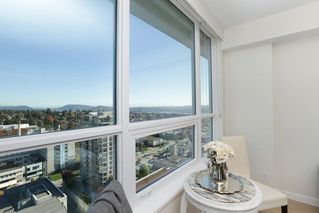 Photo 4: 2110 125 E 14TH Street in North Vancouver: Central Lonsdale Condo for sale : MLS®# R2216081