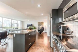 "Photo 3: 905 125 MILROSS Avenue in Vancouver: Mount Pleasant VE Condo for sale in ""CREEKSIDE"" (Vancouver East)  : MLS®# R2218297"