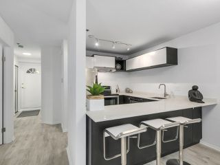 Photo 5: 106 888 W 13TH Avenue in Vancouver: Fairview VW Condo for sale (Vancouver West)  : MLS®# R2241076